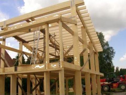 Case lemn, american de la S.c. Szili & Szabi Maximum S.r.l.