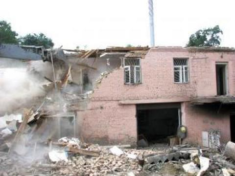 Demolari mecanizate de la Giros Construct