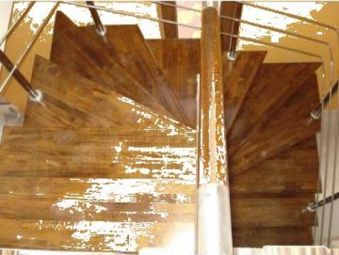 Scara metalica cu trepte si balustrada lemn de la Bigal Plast
