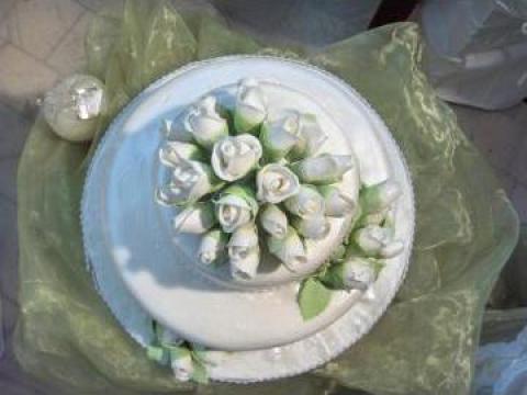 Tort de nunta de la Trandafirul-Cofetarie S.R.L.