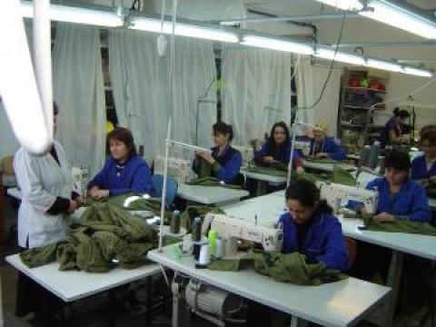 Confectii textile, costume, tricouri de la Makaz