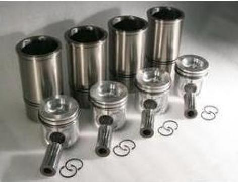 Set motor Deutz pentru motoare utilaje de la Daniken Utilaje Srl