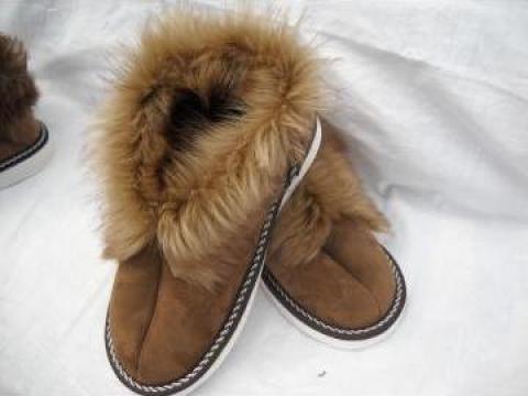 Papuci casa din piele naturala ovina si talpa din micropos de la P.f.a. Ciocarlan