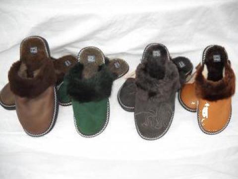 Papuci de casa piele naturala ovina si talpa din microporos de la P.f.a. Ciocarlan