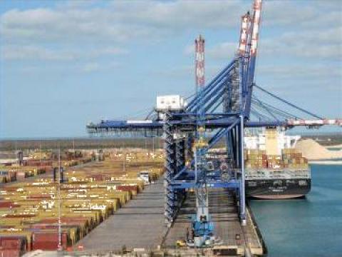 Transport containere de la Green Marine Logistics Srl