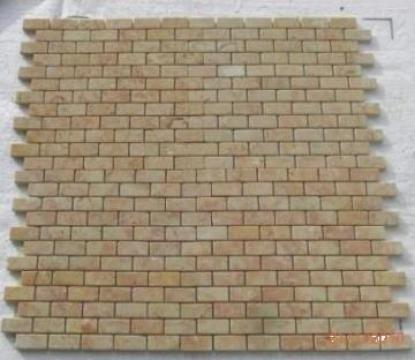 Mozaic marmura Anatolian Pink Tumbled 1x2.3x4.8 cm de la Geo & Vlad Com Srl