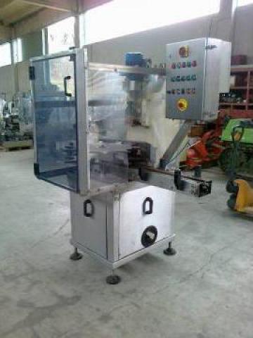 Masina de aplicat dopuri pet 5 litri de la Tehnosincron
