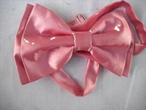 Papion dublat doi in unu roz inchis cu batista buzunar