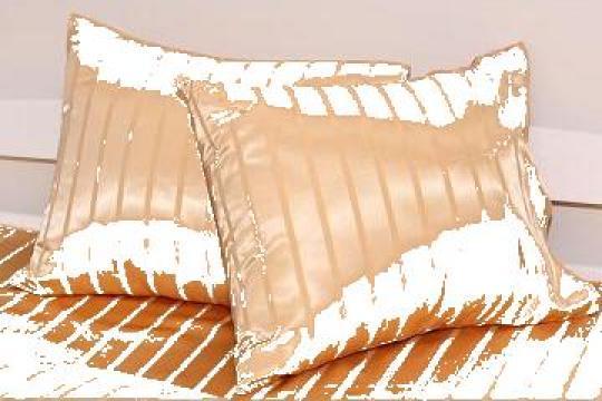 Fete de perna auriu satinat cu dungi