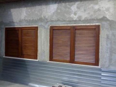 Obloane exterior din lemn masiv de la SC Ava Dol Cons Prod SRL