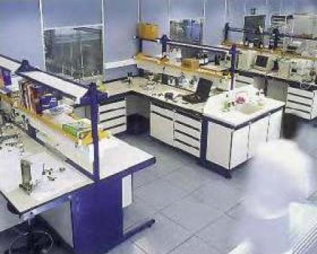 Masa laborator TRDX90 de la Radoxlab Grup Romania