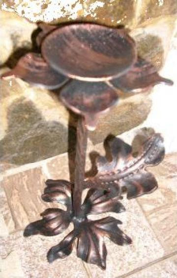 Sfesnic din fier forjat cu frunza de la Forjart Srl