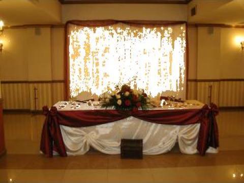 Perdele lumini, decor prezidiu nunti de la Sabine Decor Shop Srl-d