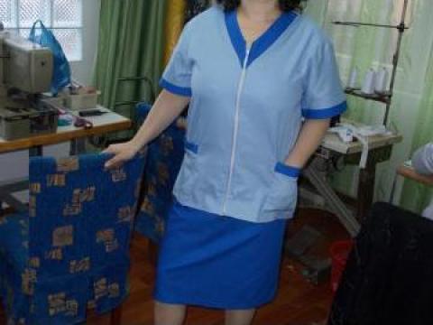 Costum pentru asistenta medicala de la Johnny Srl.