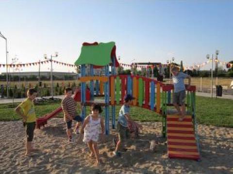 Loc de joaca, terenuri sportvie de la Garden Rustic Spatii Verzi
