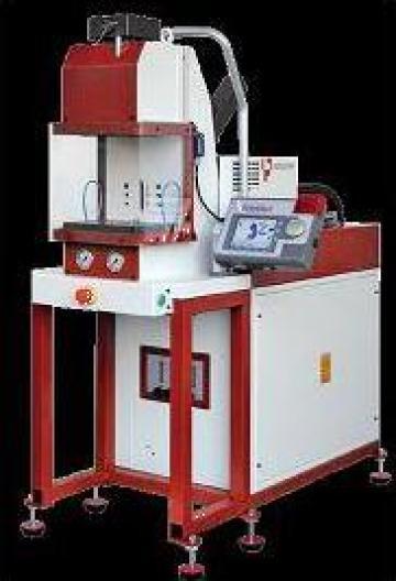Minimasina de injectie verticala Babyplast 6/10VP de la Artem Group Trade & Consult Srl