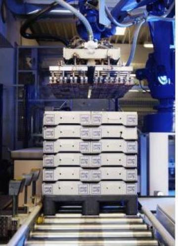 Palet plastic industrial CR 1 de la Elkoplast Romania Srl.