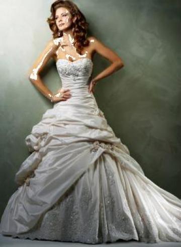 Inchiriere rochii mirese de la Sabine Decor Shop Srl-d