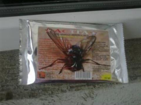 Insecticid pentru muste cu feromoni Agita 10 WG de la Fitoconsult