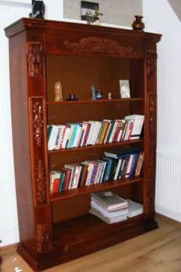 Biblioteca sculptata din lemn masiv de fag de la Decolemn Mdc Srl