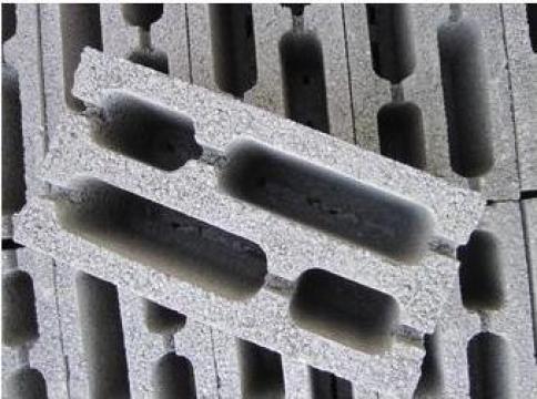 Boltari din beton vibropresati 40X20X20 de la Ii Braia Elena Nicoleta