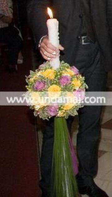 Lumanari nunta sfera, cu trandafiri si hipericum de la Unda Mai Srl