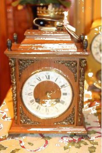Ceas de masa Lancini