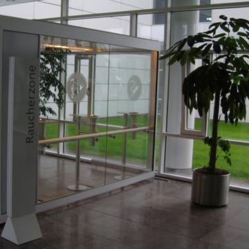 Cabina pentru fumatori Individual-Line de la Parcon Freiwald Srl