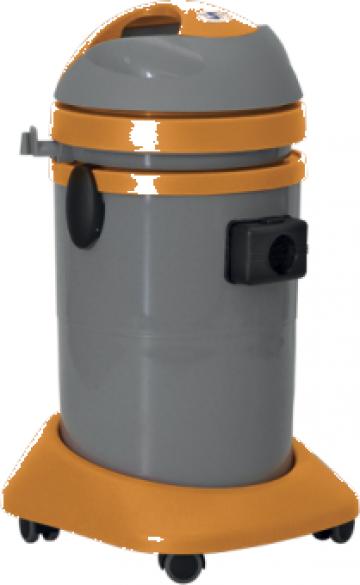 Aspirator apa si praf capacitate de 37 litri