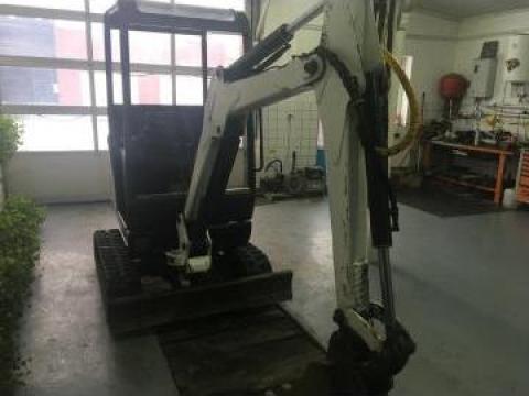 Miniexcavator Bobcat 322 de la Auto-Kodin Srl