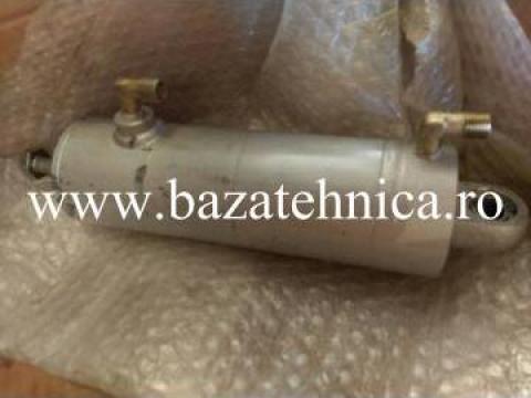 Reparatie cilindru hidraulic pentru masa de operatii de la Baza Tehnica Alfa Srl