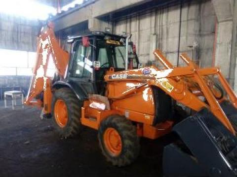 Inchiriere buldoexcavator Case