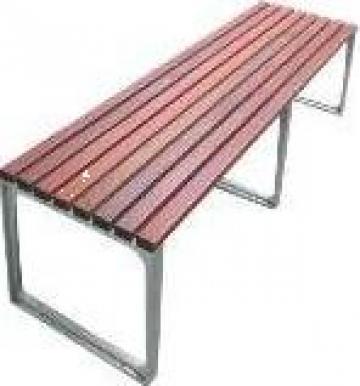 Bancuta din lemn cu picioare de aluminiu de la Conamo Sport Srl