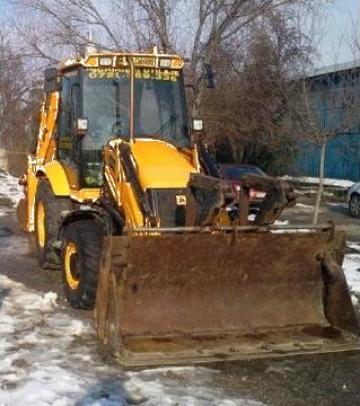 Inchiriere buldoexcavator + cupa JCB - 3CX de la Trans Udroiu Srl