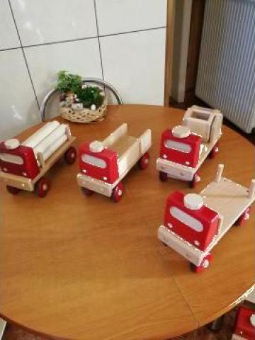 Jucarie masina din lemn