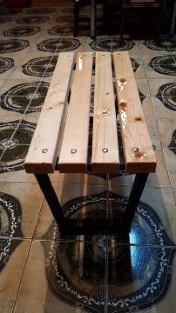 Banca din lemn de brad
