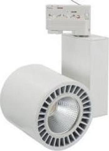 Proiector LED cu montaj pe sina 38W 3000K de la Electrofrane