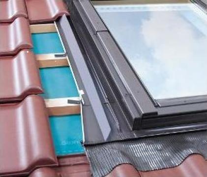 Rama de etansare pentru ferestre Fakro EZV-A de la Sc Ellcor Roof Srl-d