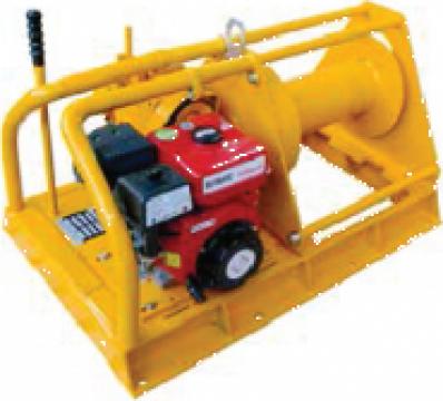 Troliu electric cu motor diesel 2000 Kg