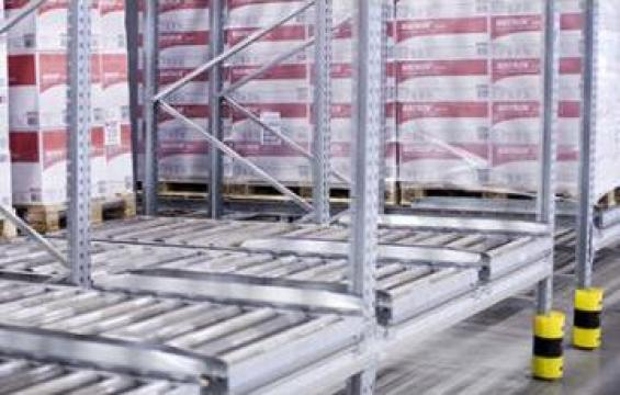 Rafturi pentru paleti cu dispozitiv de tragere de la Dexion Storage Solutions Srl