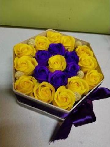 Cadou Cutie trandafiri din sapun 0093 de la Floraria Stil