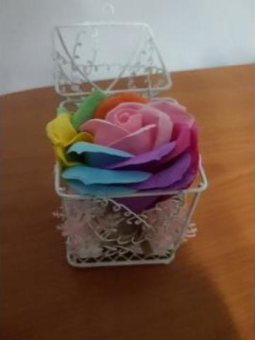 Cadou cutiuta trandafir de sapun de la Viradry Art Design