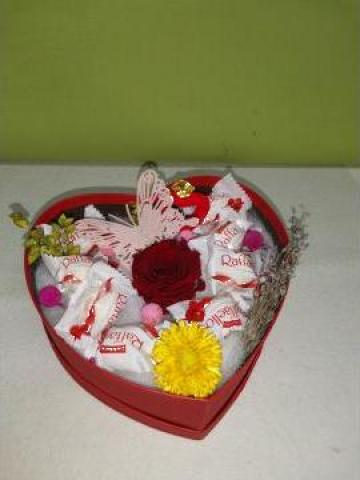 Cadou trandafir criogenat si Raffaello 0100 de la Floraria Stil
