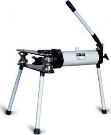 Dispozitiv de indoit tevi hidraulic HOT-150 de la Proma Machinery Srl.