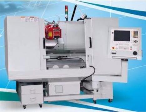 Masina de frezat universala cu CNC FUH-1250CNC de la Proma Machinery Srl.