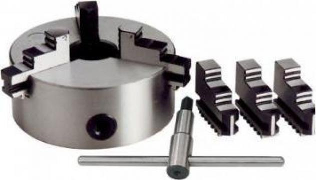 Universal autocentrant cu 3+3 bacuri M049/400 de la Proma Machinery Srl.
