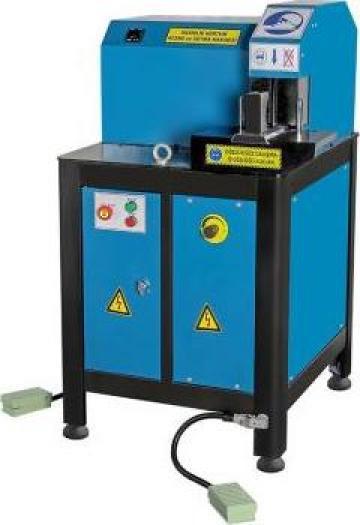 Utilaj hidraulic pentru decojit si finisat furtunuri - HSK 1 de la Proma Machinery Srl.