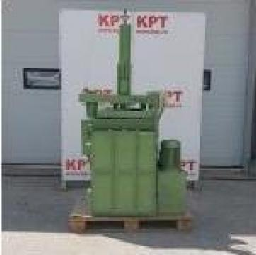 Presa de balotat deseuri de la Kronstadt Papier Technik Sa