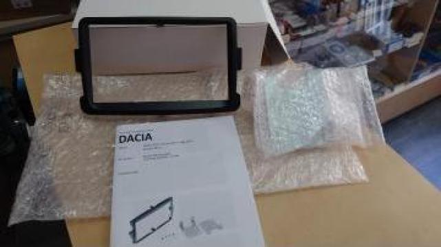 Rama adaptare 2 din gama Dacia dupa 2012 de la Caraudiomarket.ro - Accesorii Auto Dedicate