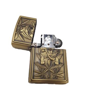 Bricheta zippo, 3D relief, metalica, weed 3 de la Dali Mag Online Srl